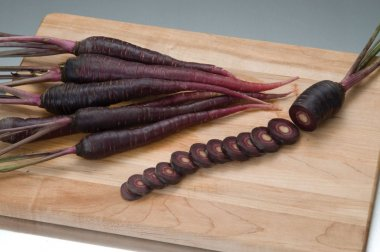Deep Purple - Pelleted (F1) Carrot Seed