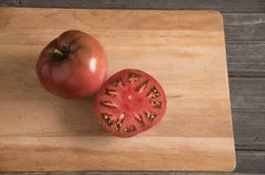 Carbon - Organic Tomato Seed